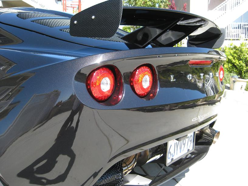 Paratie Alettone in Carbonio 145626d1272948382-really-light-stuff-wing-plates-end-plates-2008-lotus-exige-s-240-011.1