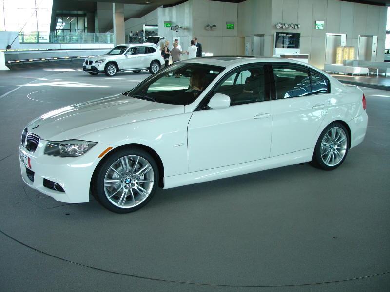 Name:  2011 335i at BMW Welt - side.jpg Views: 32 Size:  82.8 KB
