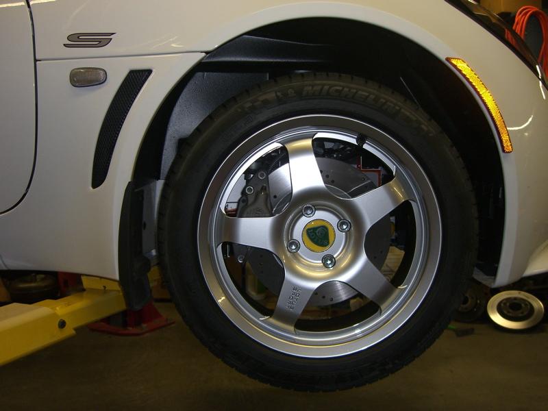 Cerchi per Elise S2 - Pagina 3 43568d1165733514-black-240r-wheels-just-came-cimg1617