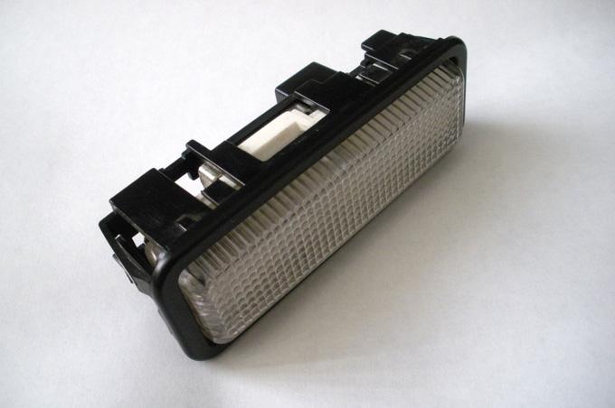Sostituzione luce cortesia interna 101327d1226483635-wtb-interior-lamp-lotus-elise-elise_int-light