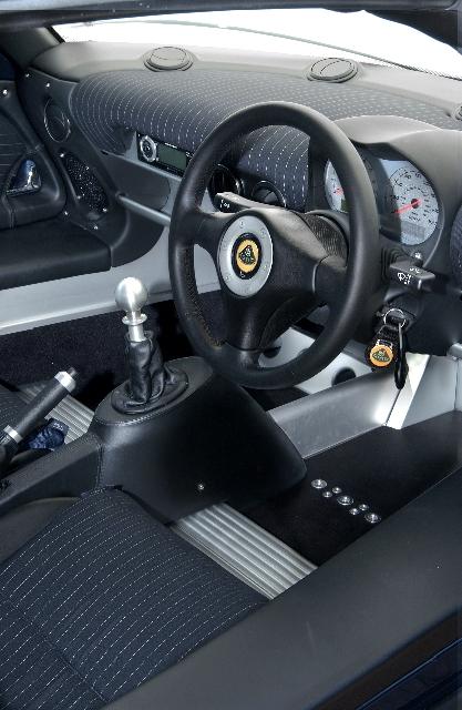 Lotus Exige Espionage - L'auto da spia in gessato! 17260d1127919536-lotus-exige-espionage-spy-car-exigespionageint
