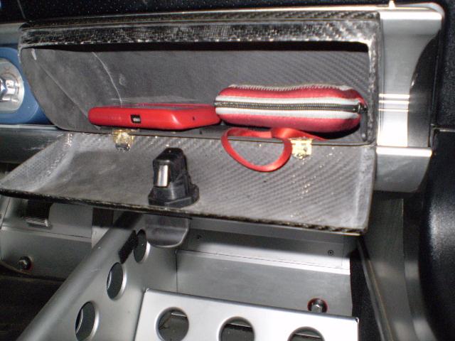 Rivestimento interni - Pagina 2 141825d1265128899-elise-exige-carbon-glove-box-hyabusa-header-ec.lotus-front-grill-011