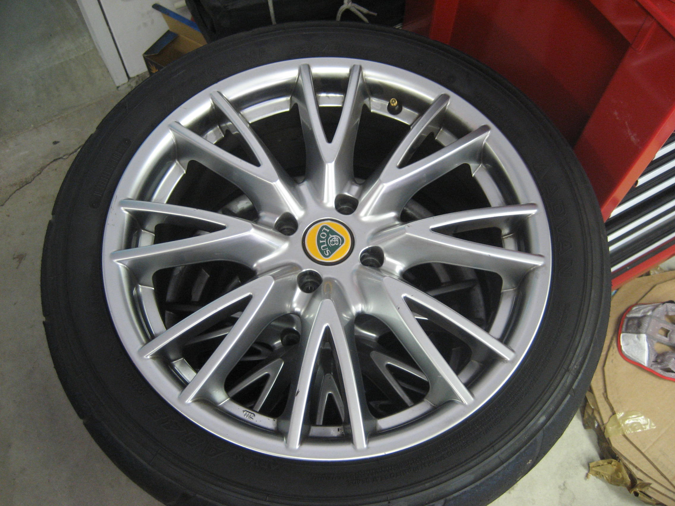 La mia Elise R ice white - Pagina 9 55270d1181027715-fs-lss-wheels-exige-style-img_0002
