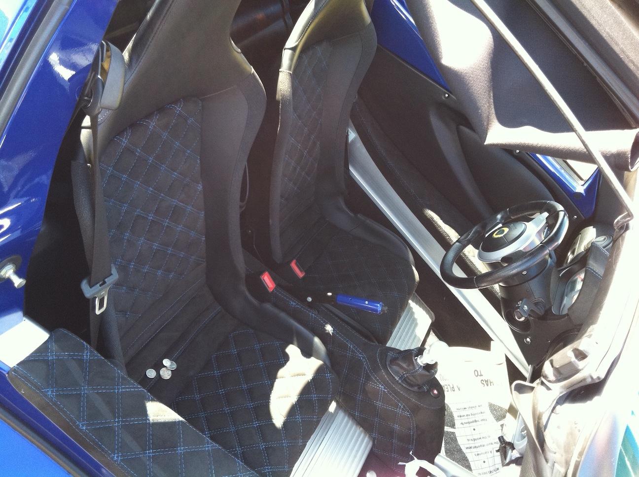 Interni Elise Laser Blue S2 162148d1299097948-lotus-elise-custom-interior-img_0057