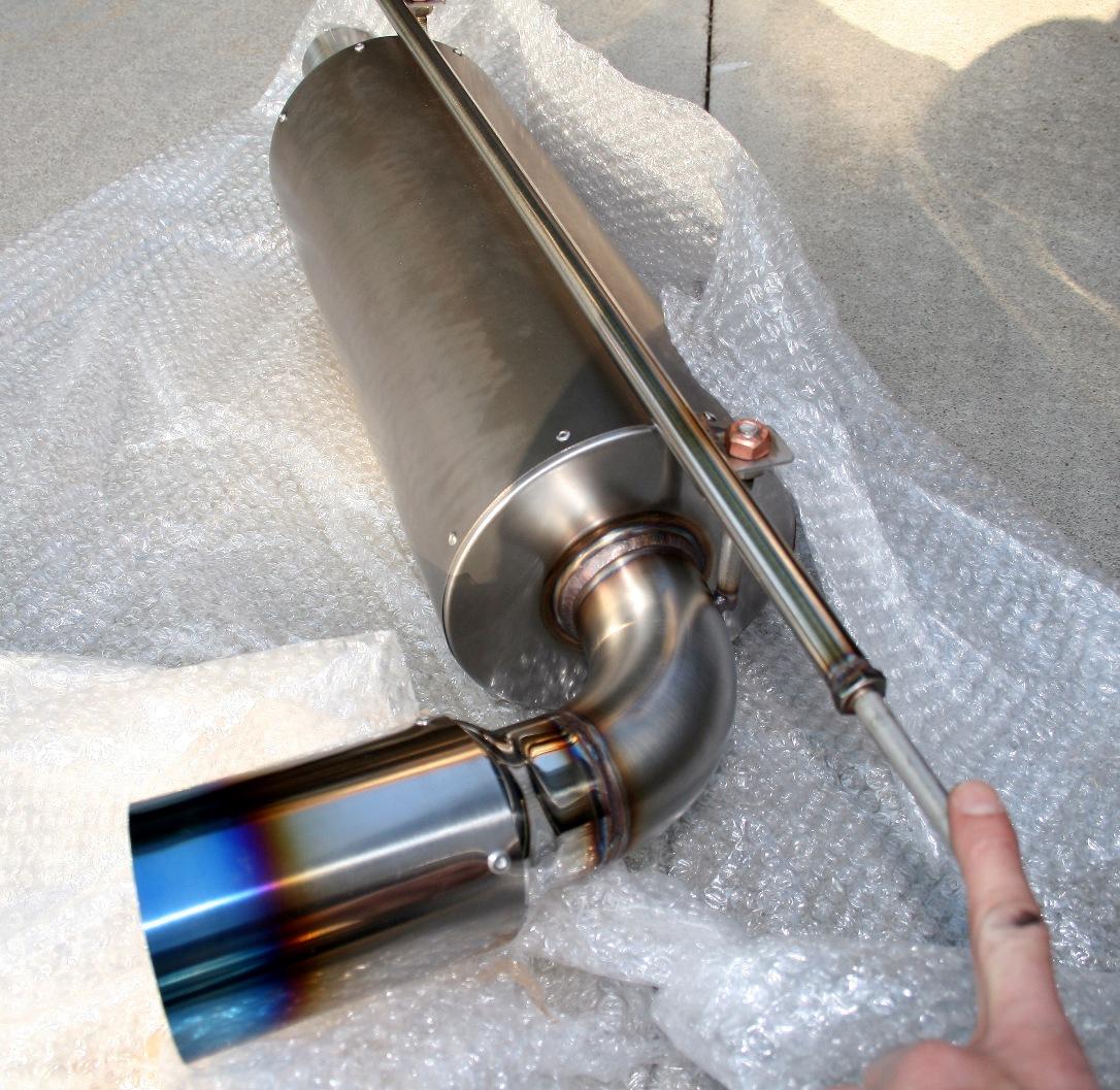 Larini bucato ...  146644d1274808963-new-2bular-titanium-gt3-exhaust-img_2199-resize
