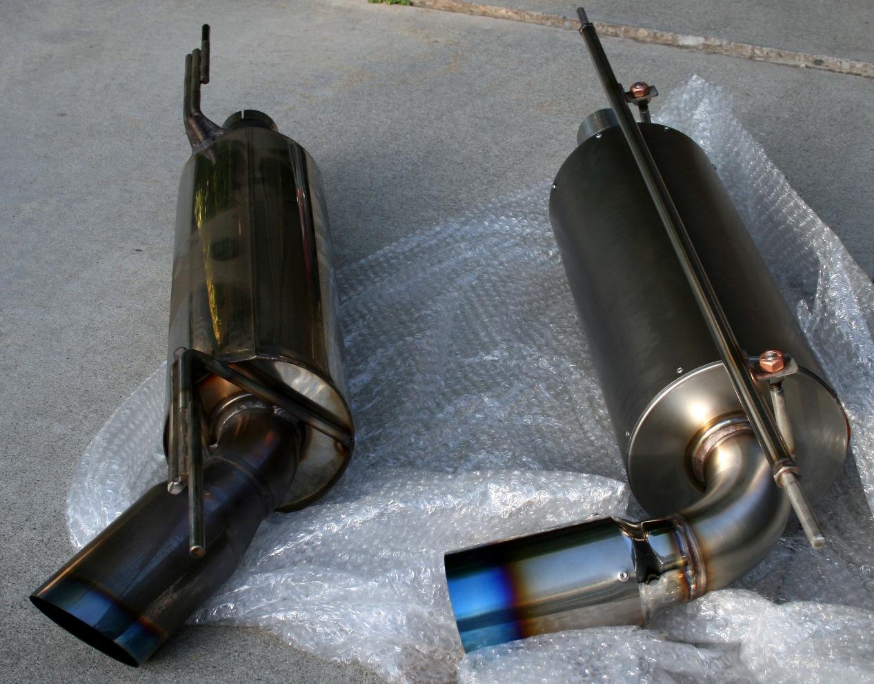 Larini bucato ...  146645d1274808963-new-2bular-titanium-gt3-exhaust-img_2201-resize