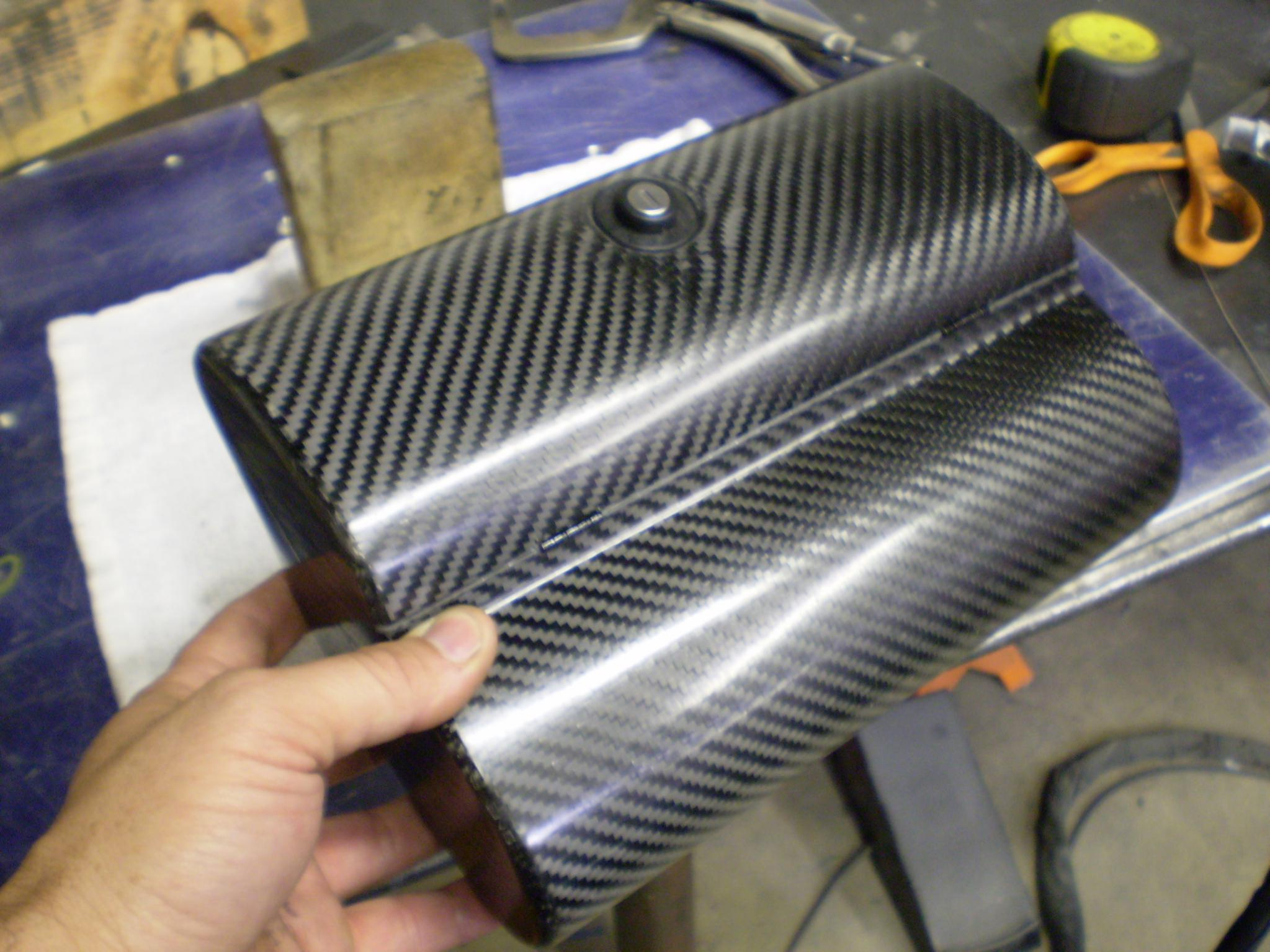Name:  new carbon glove box 006.jpg Views: 972 Size:  270.8 KB