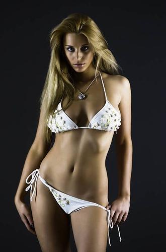Name:  sexy curvy lady.jpg Views: 56952 Size:  56.3 KB