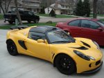 Yellow exige w carbon roof.jpg