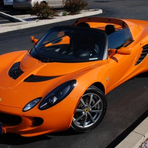 2005 Chrome Orange Elise